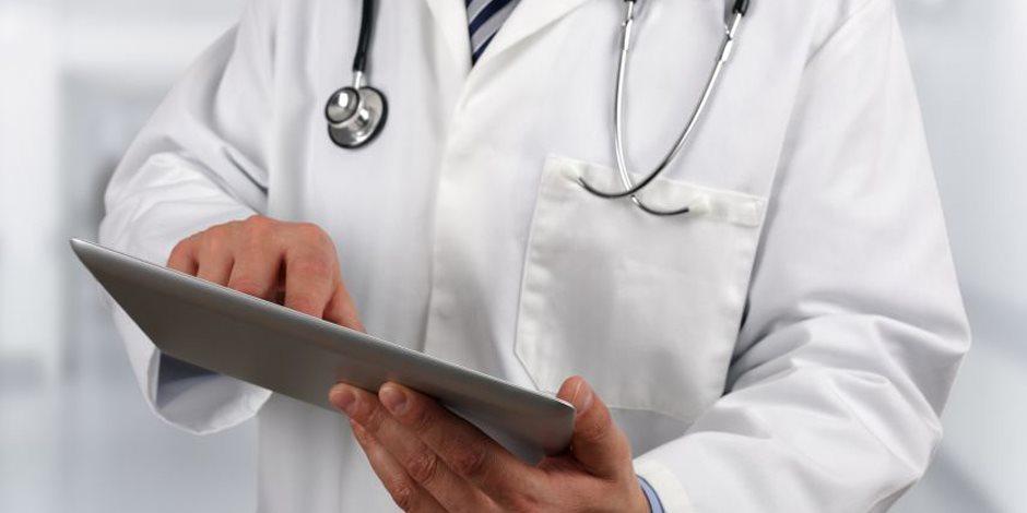 """طبيب مصري يجري  4 آلاف عملية إنقاص وزن ناجحة عن طريق """"البترفلاي"""""""