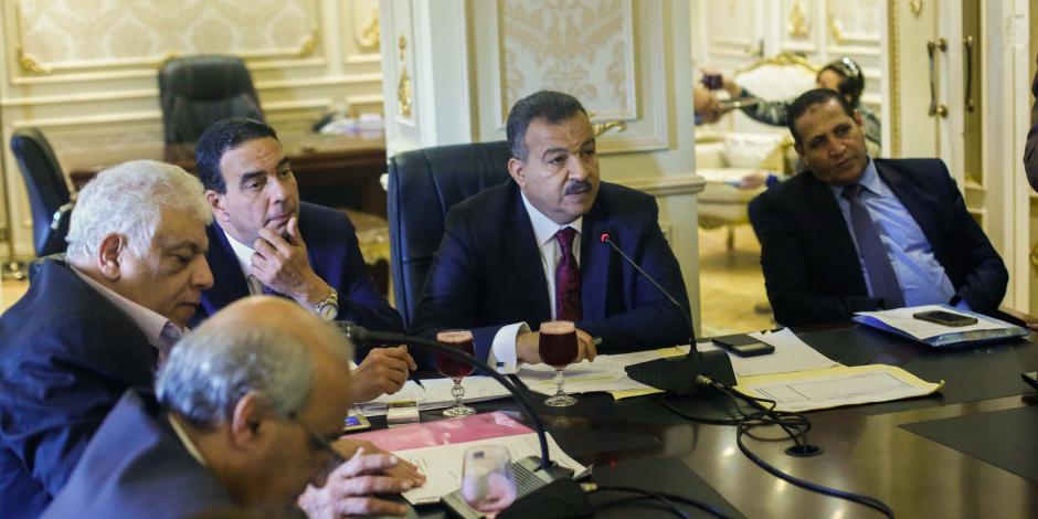 «صحة البرلمان» تطالب بتفعيل عقوبات التسرب من التعليم والزواج المبكر