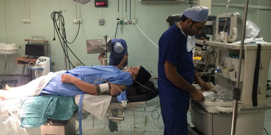 النيابة الإدارية تبدأ تحقيقا في وفاة طفلة بمستشفى جامعة قناة السويس (صور)