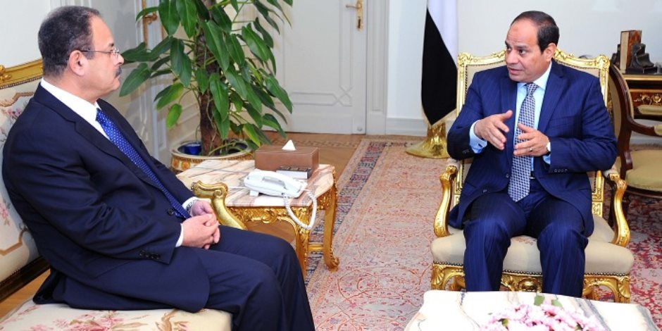 وزير الداخلية يبعث برقيات تهنئة للرئيس ووزير الدفاع بمناسبة ذكرى العاشر من رمضان