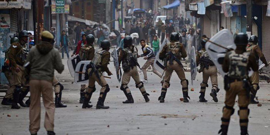 بعد قطع العلاقات الدبلوماسية.. النيران تشتعل مجددا بين الهند وباكستان في كشمير