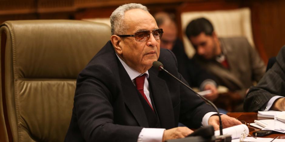 لا يجوز التنازل عن الحصانة البرلمانية.. لماذا قال أبوشقة هذه العبارة تحت قبة محلس النواب؟