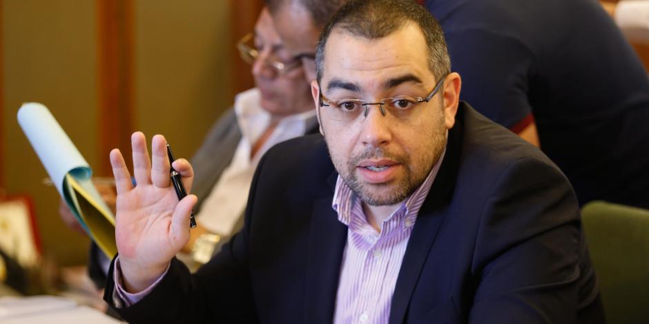 اللجنة العامة للبرلمان توافق على قبول استقالة فؤاد وقرطام