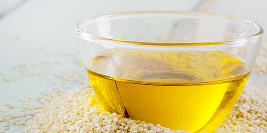 يكافح القلق والتوتر ويقوي العظام.. 8 فوائد صحية لزيت السمسم