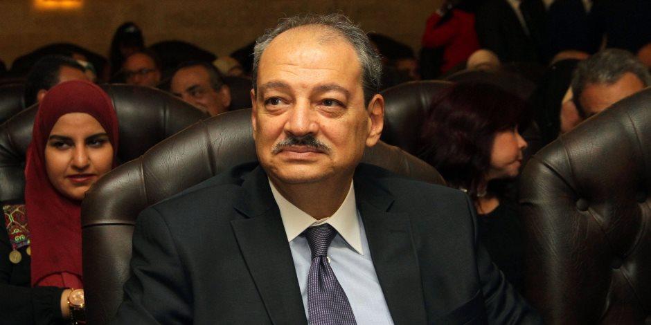 إحالة 6 متهمين بمكتب ممدوح حمزة للجنايات في قضية رشوة
