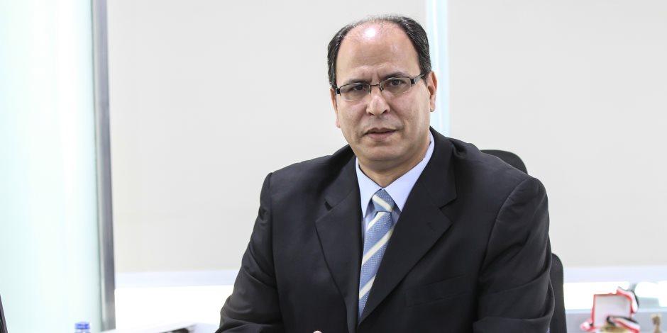 دفاعا عن رئيس جامعة القاهرة ضد كتائب الإخوان