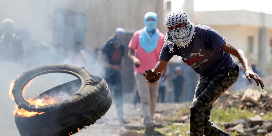 فى الجمعة الثانية بعد أزمة القدس.. مواجهات عنيفة بين الفلسطينيين وقوات الاحتلال