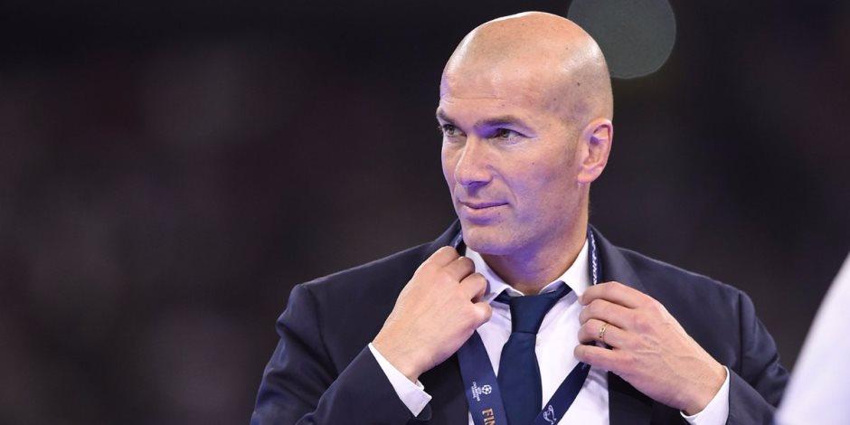 زيدان يستعرض مهاراته اثناء تدريب ريال مدريد (فيديو)