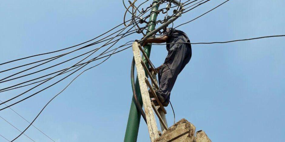 الكهرباء: إجراء صيانة شاملة للمحولات والموزعات لتأمين التغذية بالمدارس
