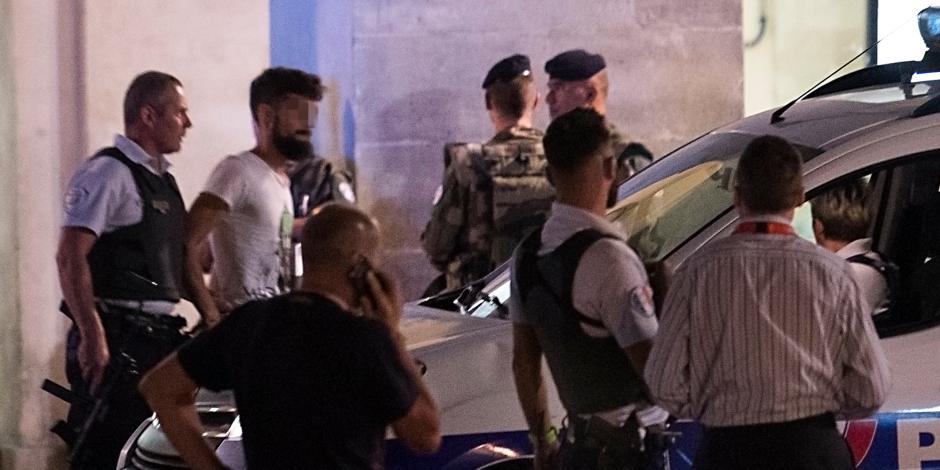 الشرطة تخلى مخيمين آخرين للمهاجرين فى باريس