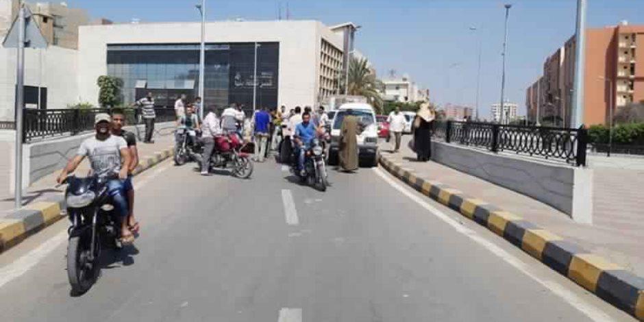 مصرع طفل تحت عجلات سيارة مجهولة في الفيوم