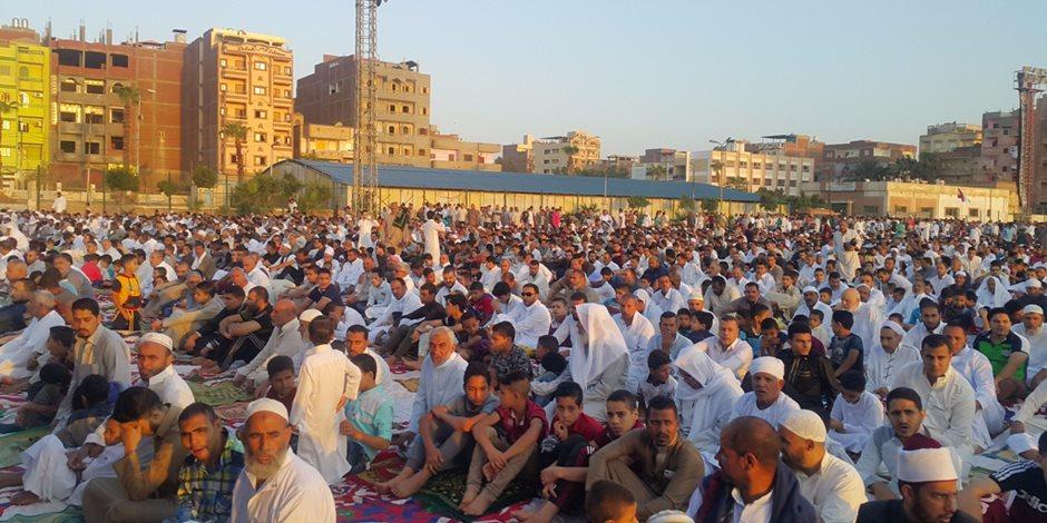الإخوان والسلفيون والجمعيات الدعوية خارج خريطة ساحات عيد الفطر المبارك