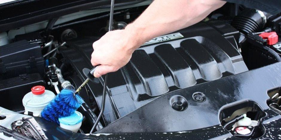في 7 خطوات.. تعرف على الطريقة الصحيحة لتنظيف محرك السيارة