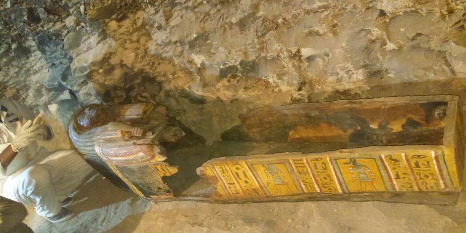 على عمق 7 أمتار .. شاهد أسرار مقبرة صانع الذهب بالأقصر (فيديو)