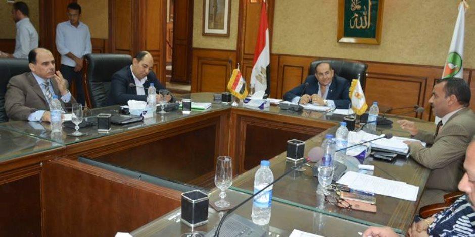 تشكيل لجنة لفحص تظلمات النقل والندب للمواد الدراسية بسوهاج