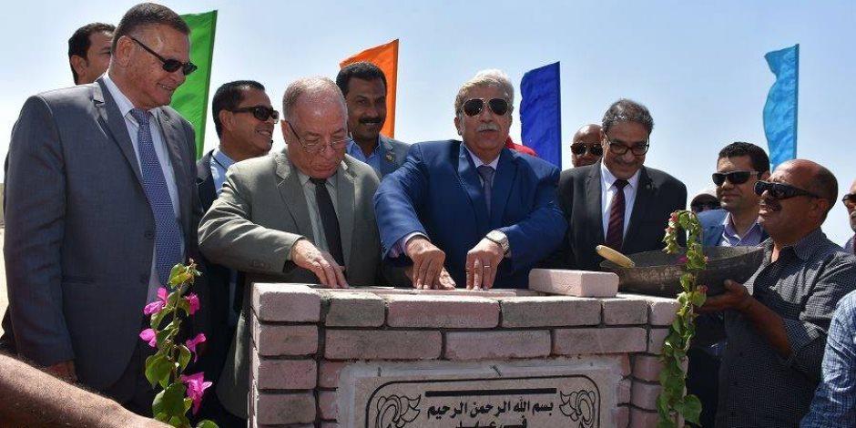 وزير الثقافة ومحافظ الإسماعيلية يضعا حجر أساس قصر ثقافة القنطرة شرق (صور)