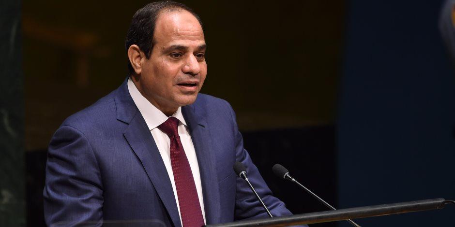 السيسي يصدر قرارا جمهوريا بمد خدمة مهاب مميش لمدة عام بدرجة وزير