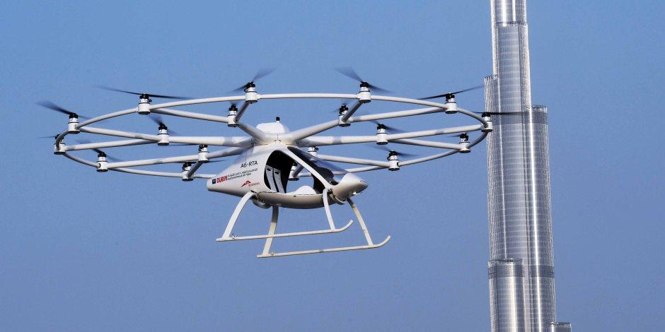 المستقبل في دبي: تاكسي جوي وشرطي آلي ودراجة طائرة