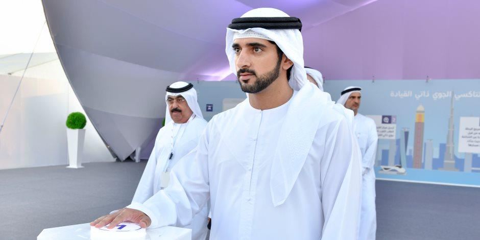 ولي عهد دبي يجري مغامرة لتصوير مدينة دبي من أعلى برج سكني