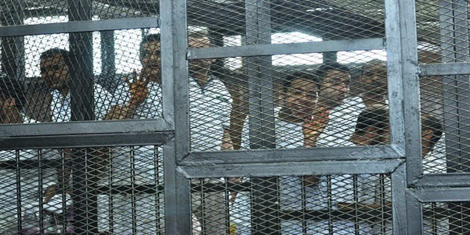 """تأجيل إعادة إجراءات محاكمة 33 متهما بـ """"أحداث مسجد الفتح"""" لـ 9 مايو"""