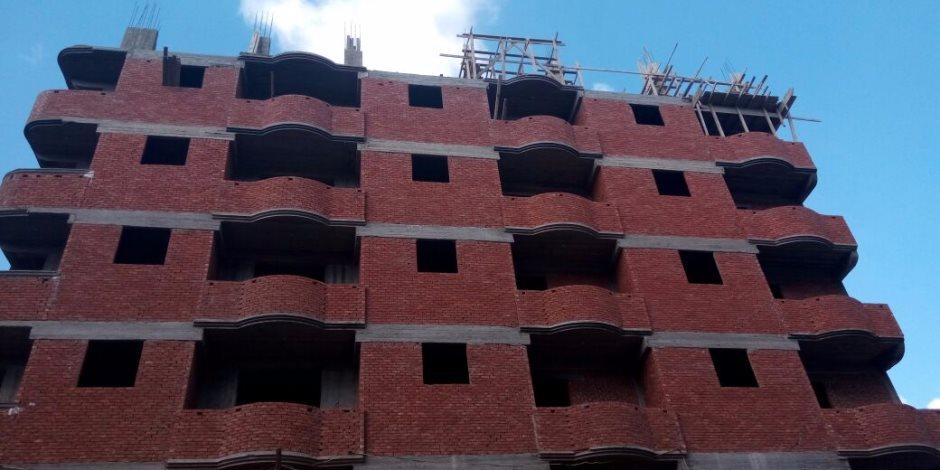 البائع أم المشتري.. مجلس الدولة يجيب على السؤال الصعب من يتحمل تكاليف البناء المخالف؟