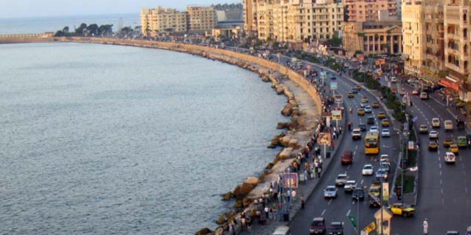 مصدر مسئول ينفي إلقاء مواد بترولية بسور كورنيش الاسكندرية