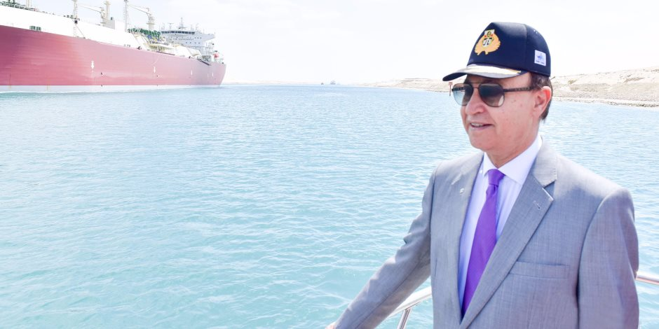 الفريق مهاب مميش: عبور 52 سفينة لقناة السويس بحمولة 3.5 مليون طن