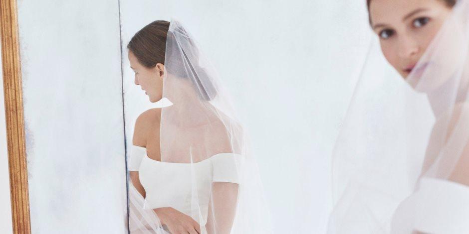 """كلاسيكية وبساطة فساتين الزفاف للمجموعة الجديدة لـ """"كارولينا هيرارا """""""