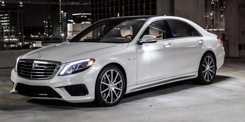 الجمارك تنهي نزاعا حول تقييم أسعار سيارات مرسيدس بـ700 مليون جنيه