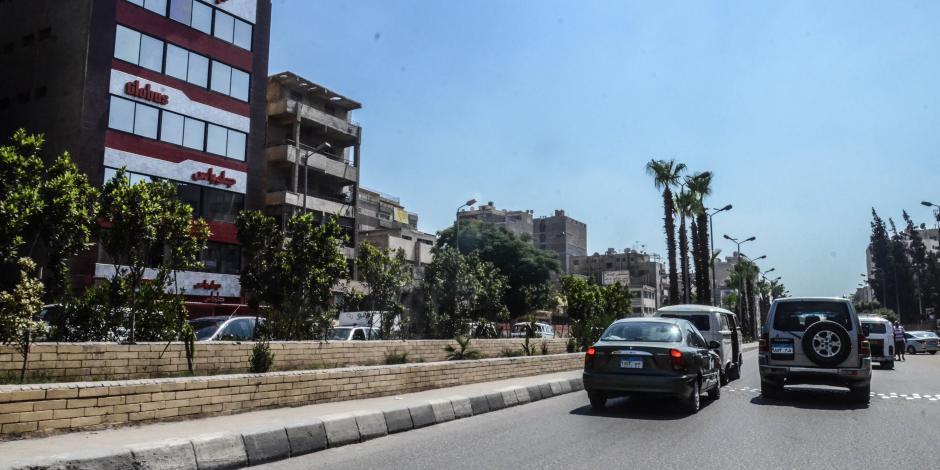 النشرة المرورية.. سيولة في شوارع وميادين القاهرة والجيزة وسط انتشار أمني