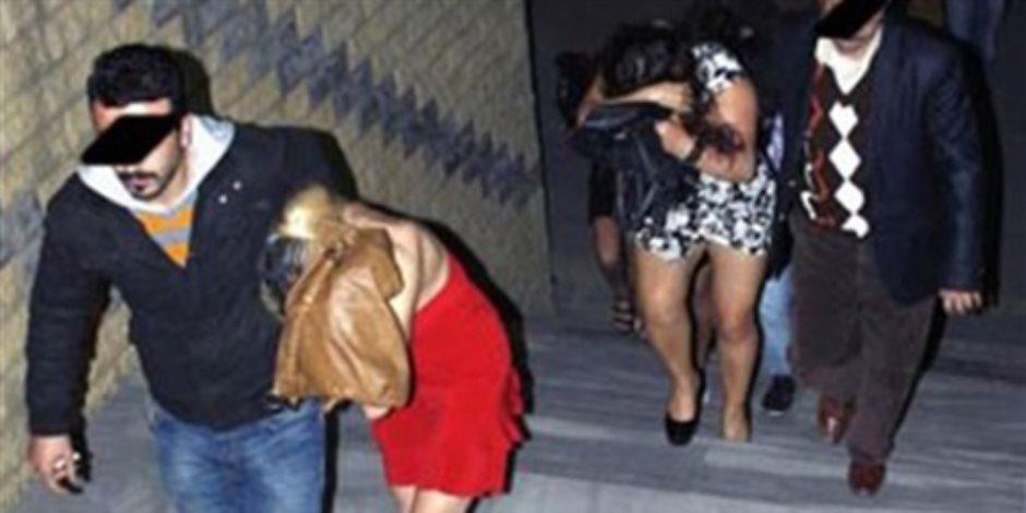 ضبط قوادة و3 فتيات أثناء ممارستهن الرذيلة داخل فندق شهير بالزمالك