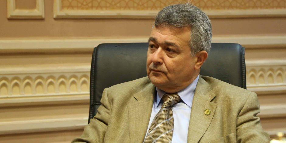 """""""سياحة البرلمان"""" توصي الحكومة بسرعة تحديث وصيانة طريق مطار برج العرب"""