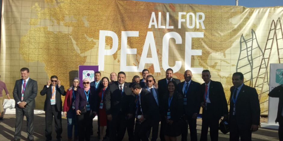ممثلو 23 حزبا يشاركون في حفل افتتاح منتدي شباب العالم (صور)