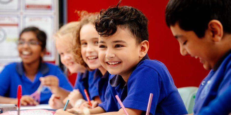 الدراسة في المدارس الحكومية والرسمية الدولية والخاصة.. تعرف على مواعيد البداية والتفاصيل