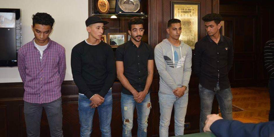 جامعة الأسكندرية تفصل 5 طلاب بسبب مشاجرة بالحرم الجامعي  ( صور )