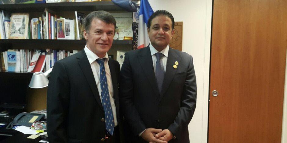 «عابد» يلتقي رئيس جمعية الصداقة البرلمانية البريطانية لبحث حادث مريم