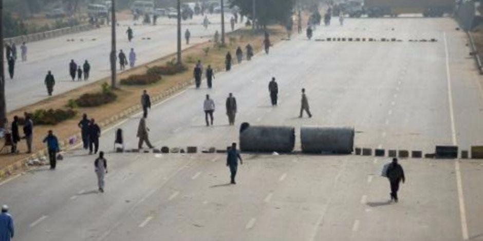 لليوم السادس على التوالي: متطرفون يغلقون المدخل الرئيسي للعاصمة الباكستانية