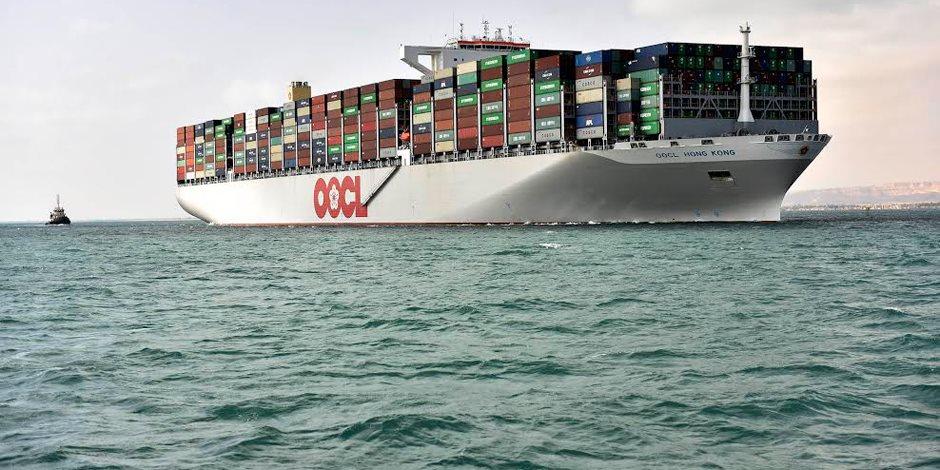 مهاب مميش: 53 سفينة بحمولة 2.9 مليون طن تعبر قناة السويس