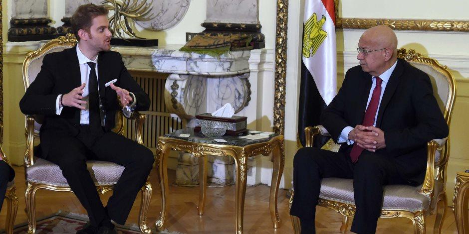 شريف إسماعيل يلتقي وزير ريادة الأعمال الروماني (صور)
