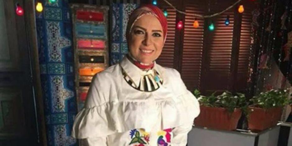 دعاء فاروق على خطى عمرو أديب وإسعاد يونس في حلقات الأكل