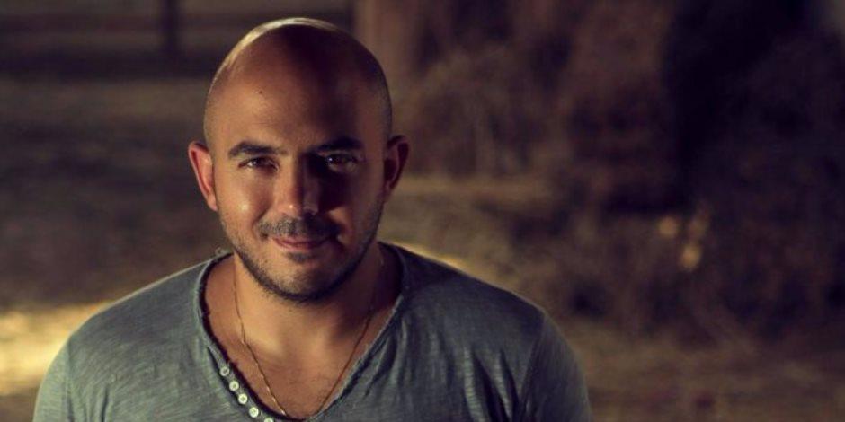 محمود العسيلي لجمهوره: «تنقطني آه تتصور معايا لا»