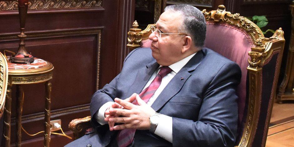 وزير الأوقاف ونواب البرلمان يؤدون صلاة جنازة حرم السيد الشريف