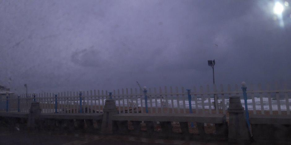 اليوم.. غلق بوغازي مينائي الإسكندرية والدخيلة لسوء الأحوال الجومائية