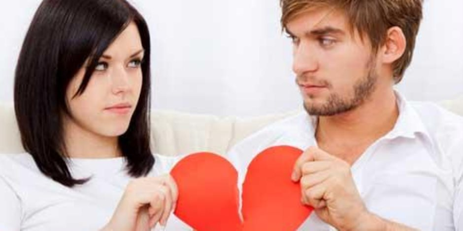 هل من حق الرجل أن يبطل عقد زواجه لاكتشافه عدم بكورية زوجته؟