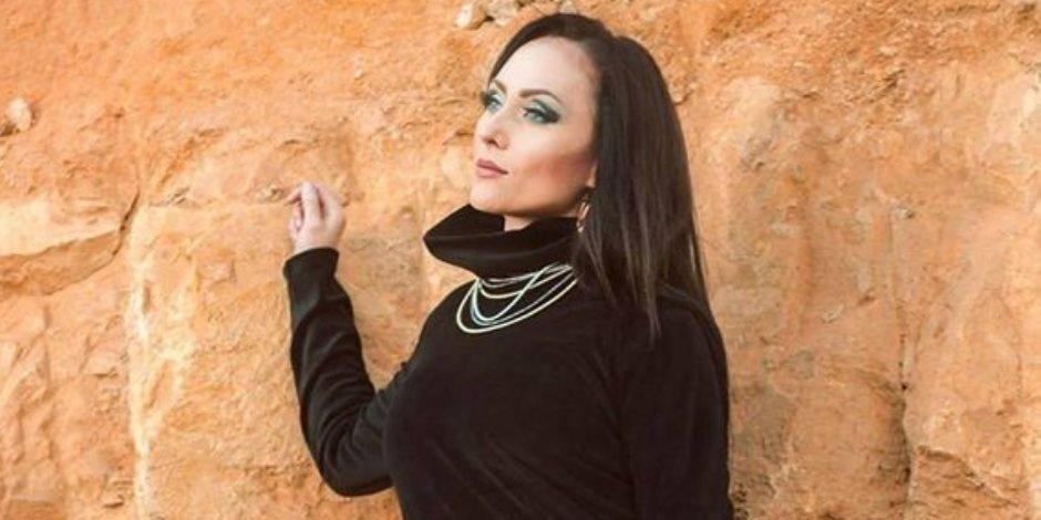 """مصممة الأزياء """" بوسي سكر"""" تطرح مجموعتها الجديدة للشتاء بلمسات أنيقة وخامات فخمة"""