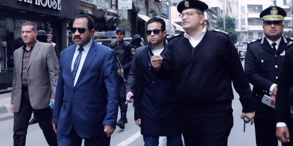 مدير امن الاسكندرية يراجع اجراءات تأمين كنائس المحافظة .. (صور)