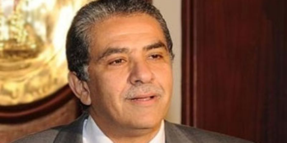وزير البيئة: الاتفاق على تركيب جهاز رصد لمصنع سماد طلخا ومعمل متنقل