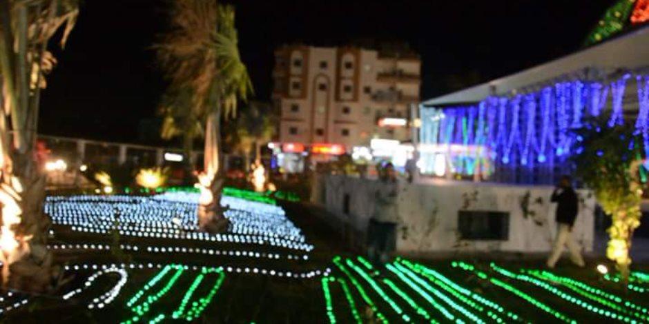 محافظات مصر تتحدى الإرهاب.. ميادين الغردقة تتزين بأشجار الميلاد