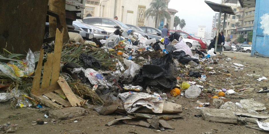 """""""زبالة"""" في كل مكان.. هل يكفي تغليظ العقوبة على المنشآت التجارية لمحاربة القمامة؟"""