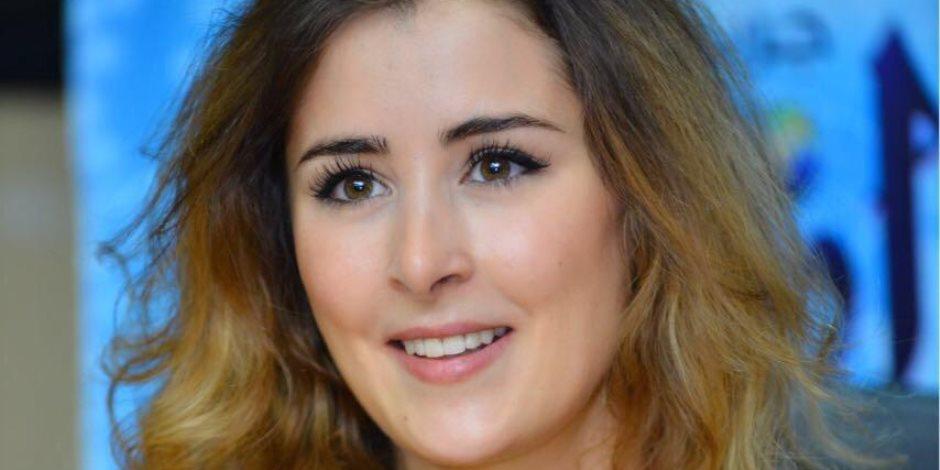 عائشة بن أحمد.. الوجه التونسي الجميل يتصدر محركات البحث (صور